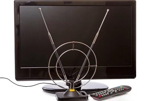 телевизор и комнатная антенна