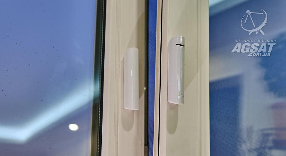 Датчик Ajax DoorProtect Plus
